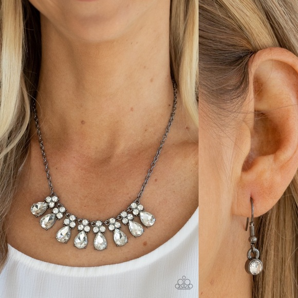 ❤️ Sparkly Ever After Necklace Set